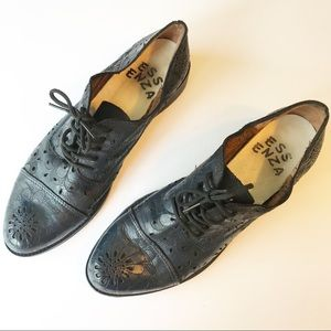 Essenza for Anthropologie Cutout Daisy Oxfords